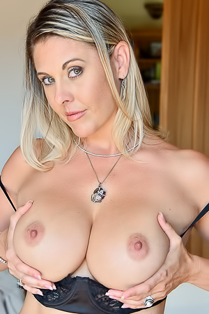 Blond Milf Jayna Showing Her Fake Boobs