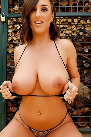 Stacey Poole - Huge Melons Pics