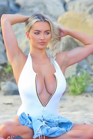 Lindsey Pelas At The Beach
